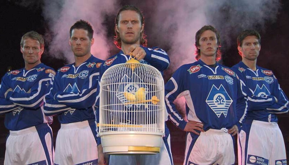 SATSER PÅ MOLDE:  Cupfinalelåten er nærmest identisk med sangen i Akers egen reklamefilm «Nøtteknekker».