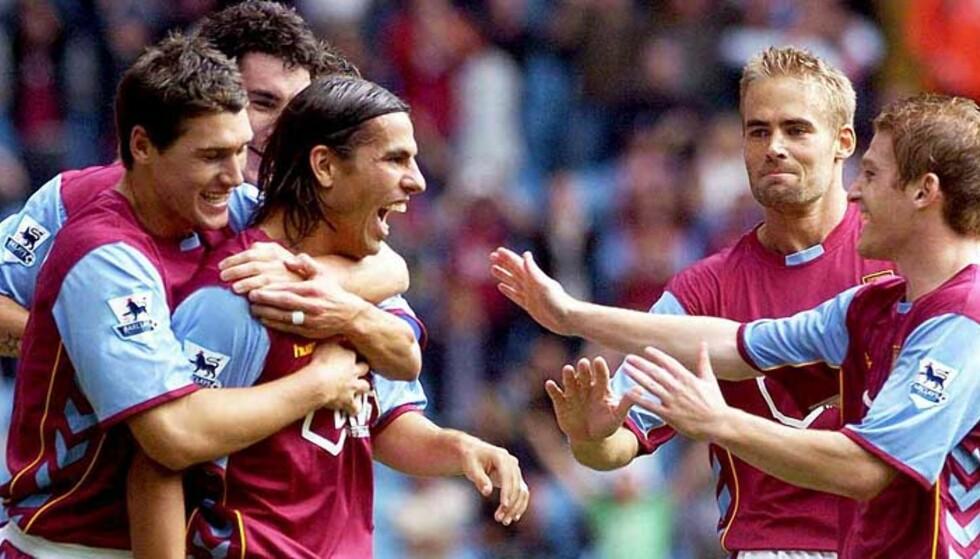 MÅLKÅT: Milan Baros feirer sitt første mål for Aston Villa. I morgen er han klar for flere. Foto: EPA