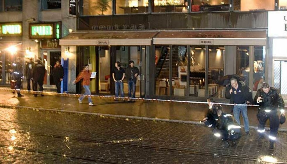 DRAMATISK:: Fire skudd skal ha blitt avfyrt utenfor Andy\'s Pub i Oslo natt til fredag. Én mann ble sendt til Ullevål med lettere skader. Foto: BJØRN LANGSEM
