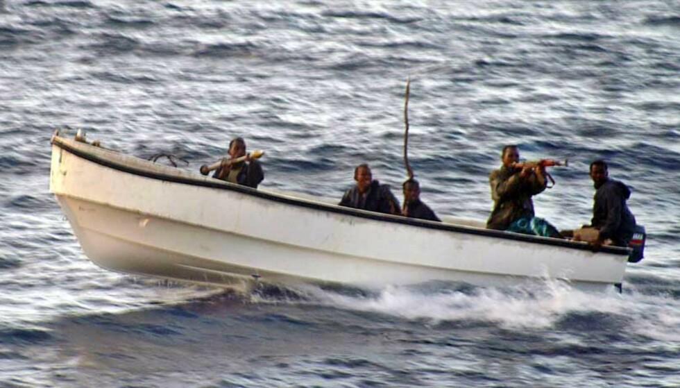 ANGREP:  Pirater med raketter om bord angrep lørdag cruiseskipet «Seabourn Spirit». Takket være rask reaksjon fra den norske kapteinen Sven Erik Pedersen kom ingen til skade. Foto: Norman J. Fisher/AP/Scanpix
