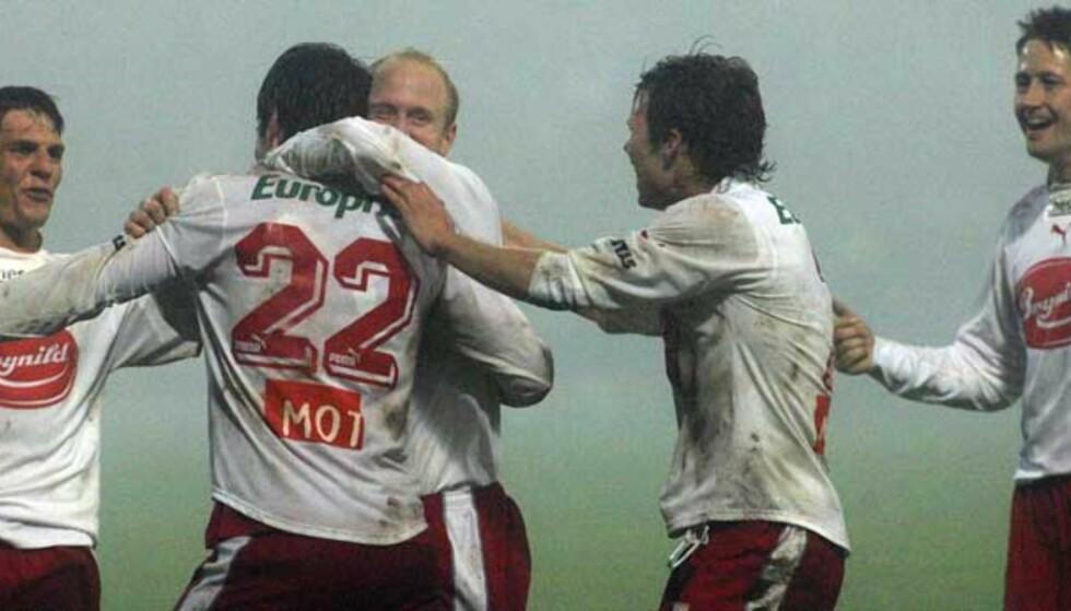 BERGET PLASSEN: Nedrykkstruede Fredrikstad vant 3-1 borte mot Start i siste runde, og berget plassen. Foto: SCANPIX