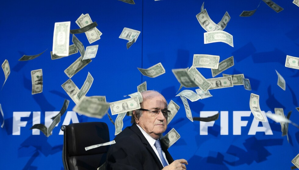 KORRUPT REGIME: Sepp Blatter er suspendert og tiltalt i den enorme korrupsjosnsskandalen som omgir Fifa. Foto: AFP / FABRICE COFFRINI/ NTB Scanpix