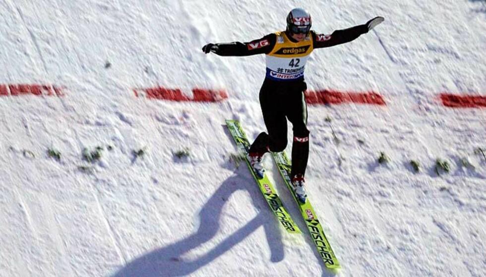 TIL TOPPS: Lars Bystøl gikk til topps i Innsbruck. Seierens var hans første i verdenscupen. Foto: Scanpix