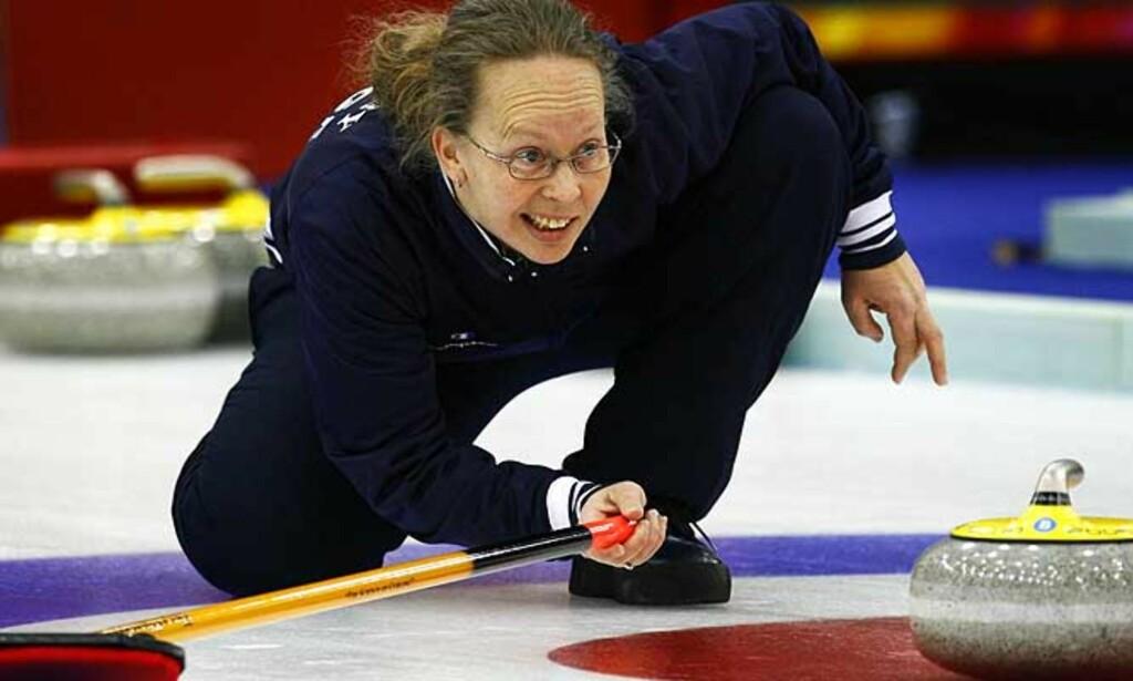 I TRØBBEL: Etter tap mot Italia i kveld spøker det for Dordi Nordby og Norge i curling-VM. Foto: SCANPIX