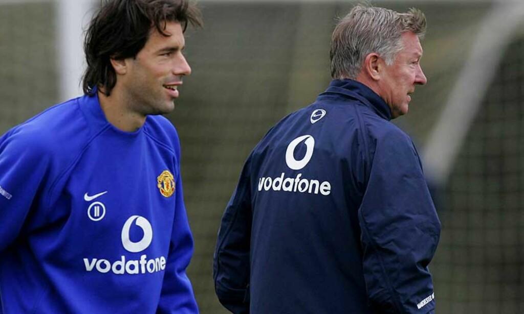 GÅR?  Ferguson satte van Nistelrooy på benken i går. Spissens tid i klubben kan være forbi. Foto: Scanpix
