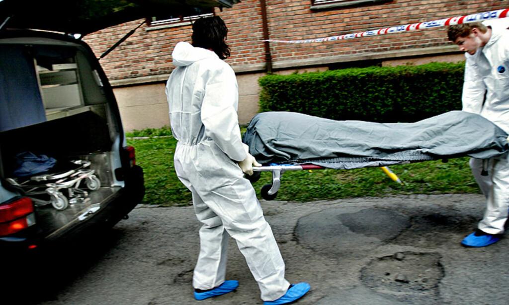 FUNNET MANDAG: 41 år gamle Mona Berg ble funnet død i leiligheten på Torshov i Oslo mandag. Politiet anslår at hun døde lørdag eller søndag. Foto: Kristian Ridder-Nielsen