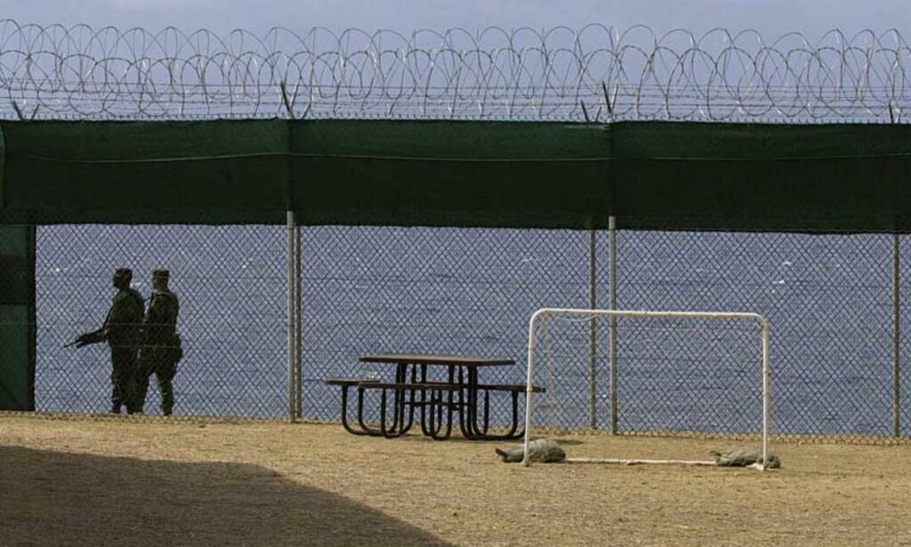 CAMP IGUANA: Tre av de mindreårige fangene ble holdt i «Camp Iguana», et mindre strengt fengsel på Guantanamo. Her har fangene bl.a. utsikt over havet. Foto: SCANPIX