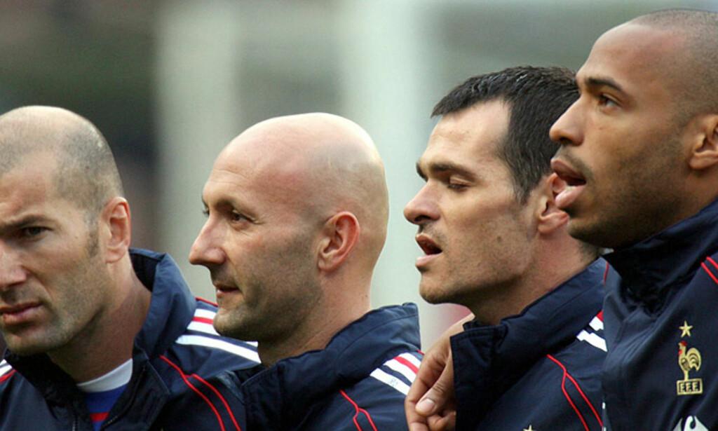REVANSJESUGNE: Zinedine Zidane (f.v.), Fabien Barthez, Willy Sagnol og Thierry Sagnol er klar for VM. Foto: CHARLES PLATIU/REUTERS/SCANPIX