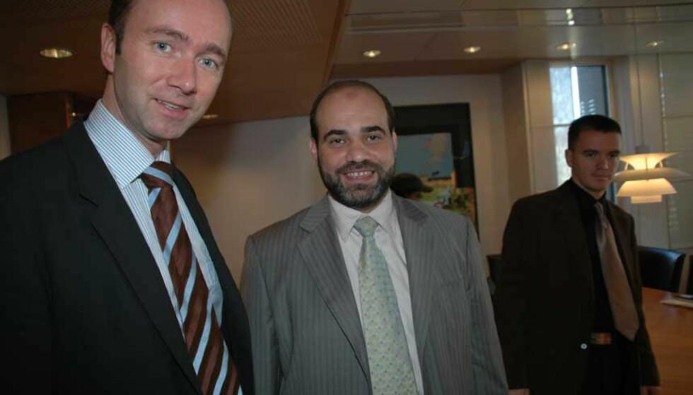 FÅR STØTTE: Giske bevilger 500 000 i årlig støtte til Islamsk råd. I dag møtte han blant andre leder for rådet, Mohammad Hamdan. Foto: TORSTEIN BRATTSET DRABLØS