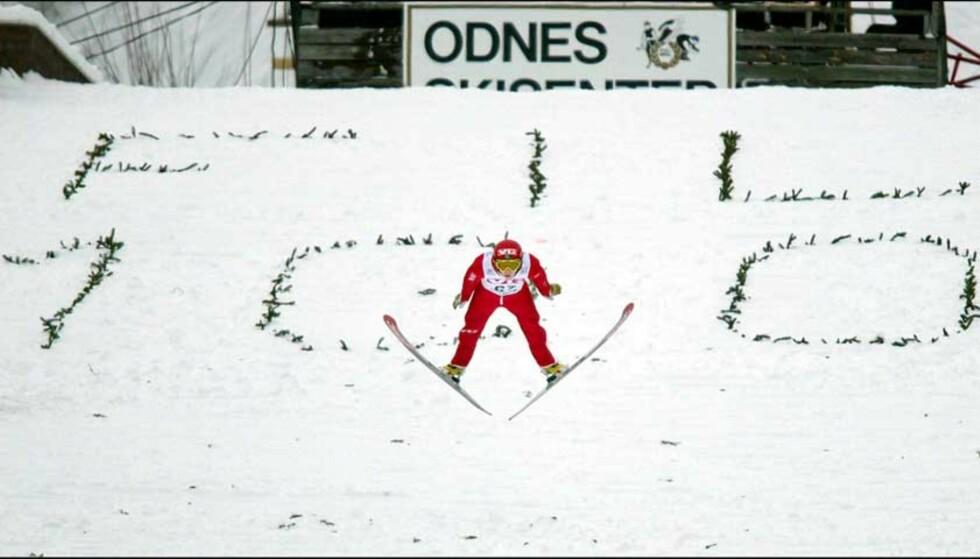 DETTE KAN BLI DEG: I 2002 ble det arrangert NM i den gamle ærverdige Odnesbakken i Oppland. Nå gis hele bakken bort på Finn.no. Og svært mange interessenter har meldt seg. Foto: Daniel Sannum Lauten