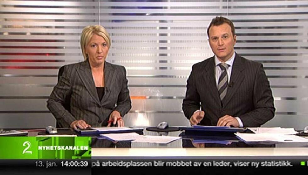 FØRST UT: Lene Østby Sævrøy og Espen Fiveland ledet sendingene som gikk på både TV2 og Nyhetskanalen i går. Foto: Nettavisen