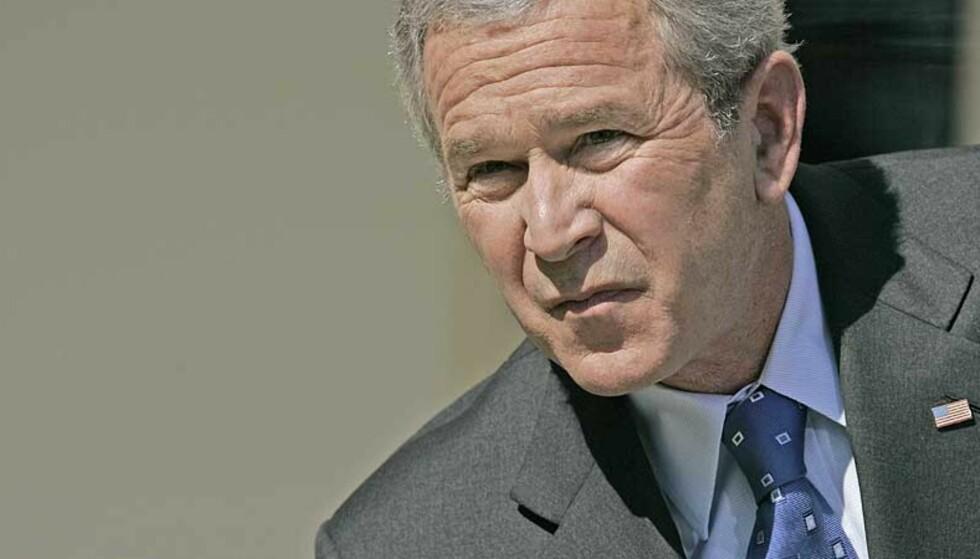 MILITÆRNEKT: Amerikanernes president George W. Bush mener åpne homofile ikke kan tjenestegjøre i militære. Foto: AP/Charles Dharapak/ SCANPIX