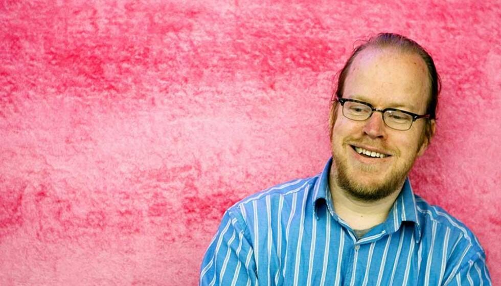 SVARER DEG: Montpellier-bosatte John Arne Sæterøy skal delta på Comics Expo 2007 i Oslo i helgen. Først svarer han på lesernes spørsmål. Foto: SCANPIX