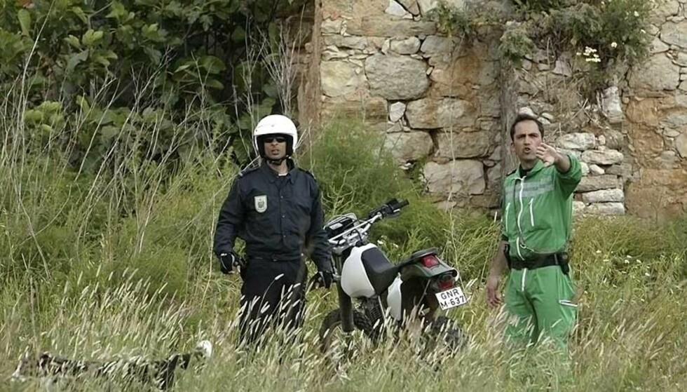 SØK: Politiet i Algarve leter etter den tre år gamle jenta som er sporløst forsvunnet. Foto: VASCO CELIO/REUTERS