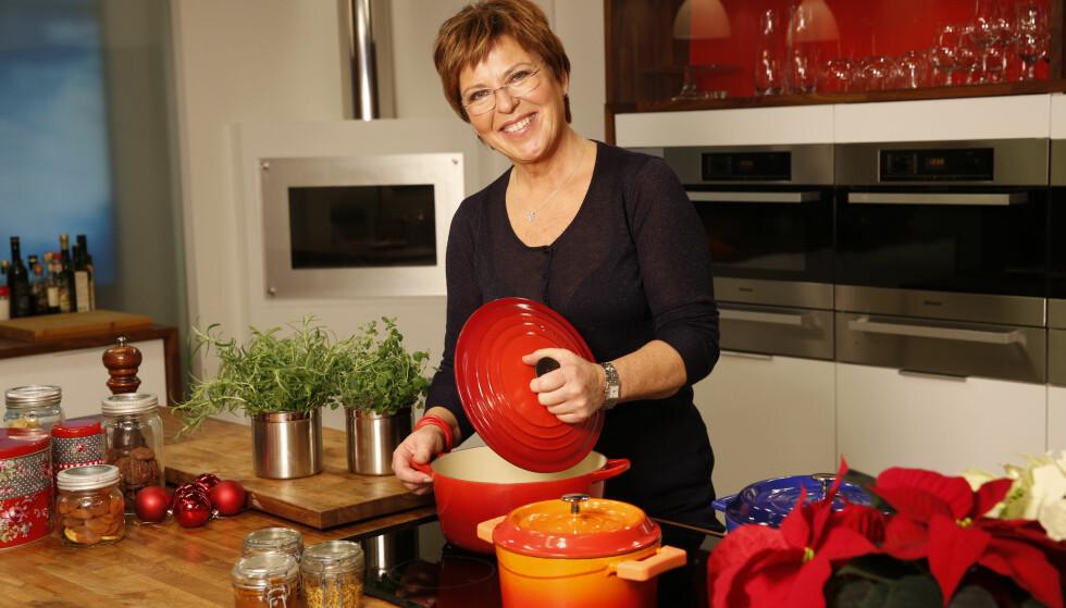 """Nå blir det jul: TV-kokk Wenche Andersen og """"God morgen, Norge"""" tar jula på alvor. Foto: TV 2"""