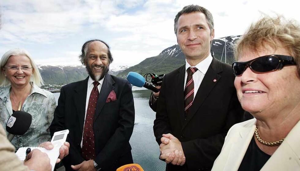 VERDENS KLIMADAG: Leder for FNs klimapanel, Rajendra Pachauri, møtte Helen Bjørnøy, Jens Stoltenberg og Gro Harlem Brundtland i Tromsø i går. Foto: Gorm Kallestad / SCANPIX