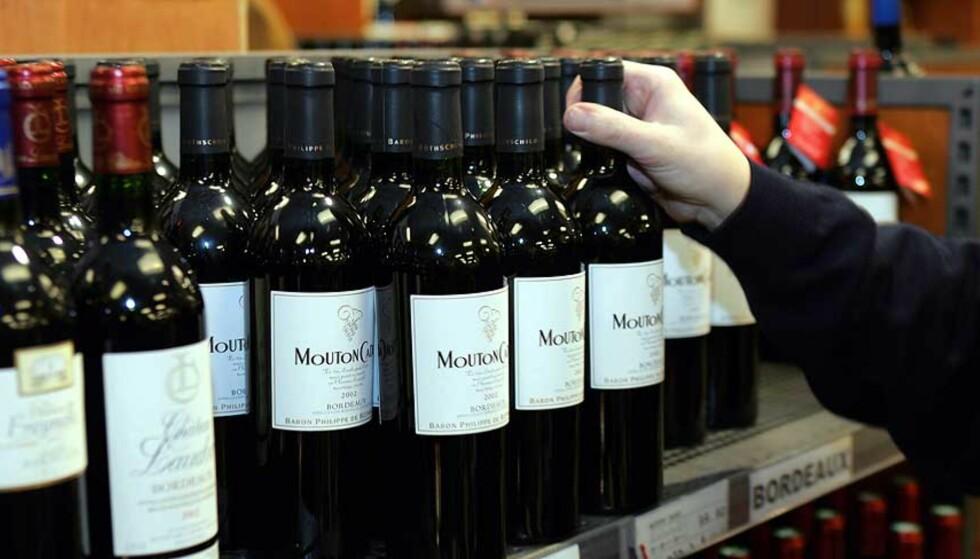 IMPORTERE PÅ EGENHÅND: EU-domstolen bestemte i dag at Systembolagets forbud mot privatpersoners import av alkohol på egenhånd strider mot EUs regler om fri flyt av varer. Foto: SCANPIX(KNUT FALCH