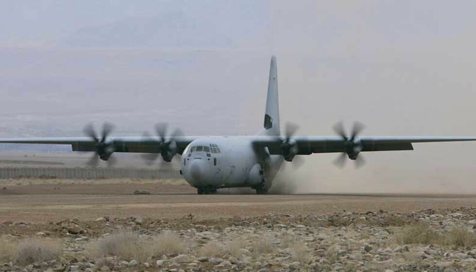 HASTEKJØP: Stortinget vedtok i dag å hastekjøpe fire slike fly av typen Hercules C-130J. Foto: Heiko Junge/Scanpix
