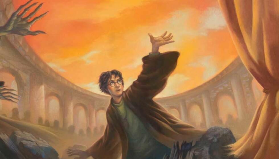 KAN BLI SEIN HØST: Norske fans som ikke vil lese den engelske versjonen av den siste Harry Potter-boka, må trolig vente til sein høst for å få vite hvordan det går.