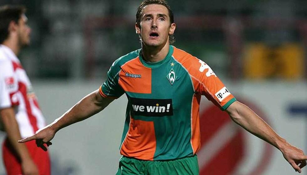TIL BAYERN: Werder Bremens Miroslav Klose blir den tredje store signeringen for Bayern München i sommer. Foto: THOMAS BOHLEN/REUTERS