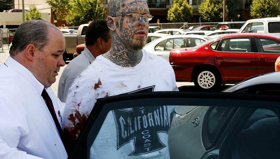FRATATT VÅPENET: En gjest i restauranten tok våpenet fra Curtis Allgier. Foto: AP/SCANPIX