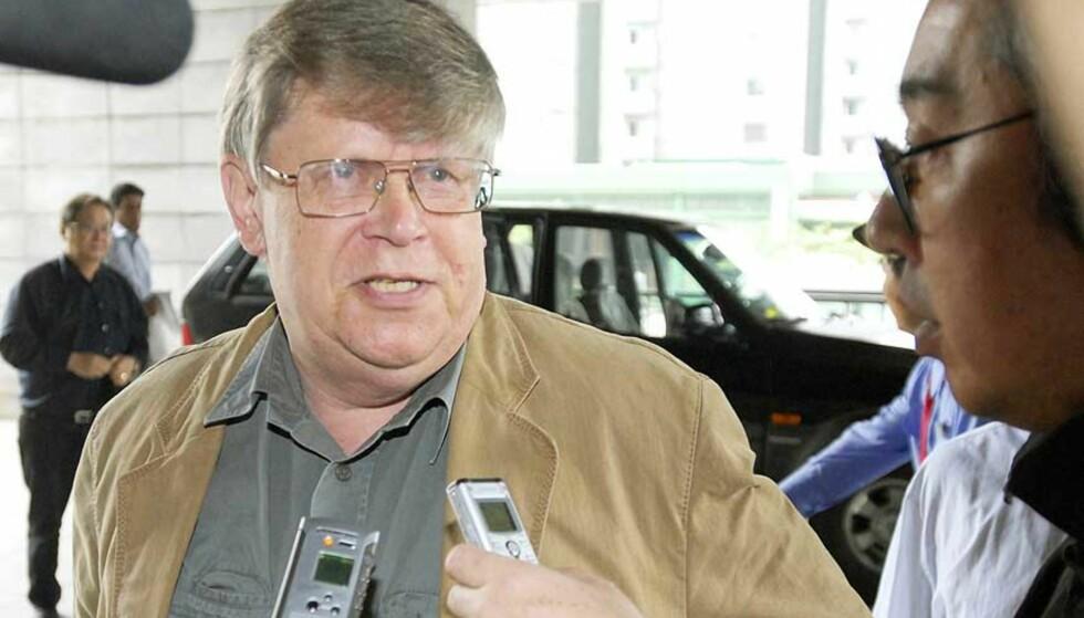 ER ENIGE: Det internasjonale atomenergibyråetss sjefinspektør Olli Heinonen uttaler at de har kommet til enighet med Nord-Korea om stenging av atomanlegg i landet. Foto: KYODO NEWS/AP/SCANPIX