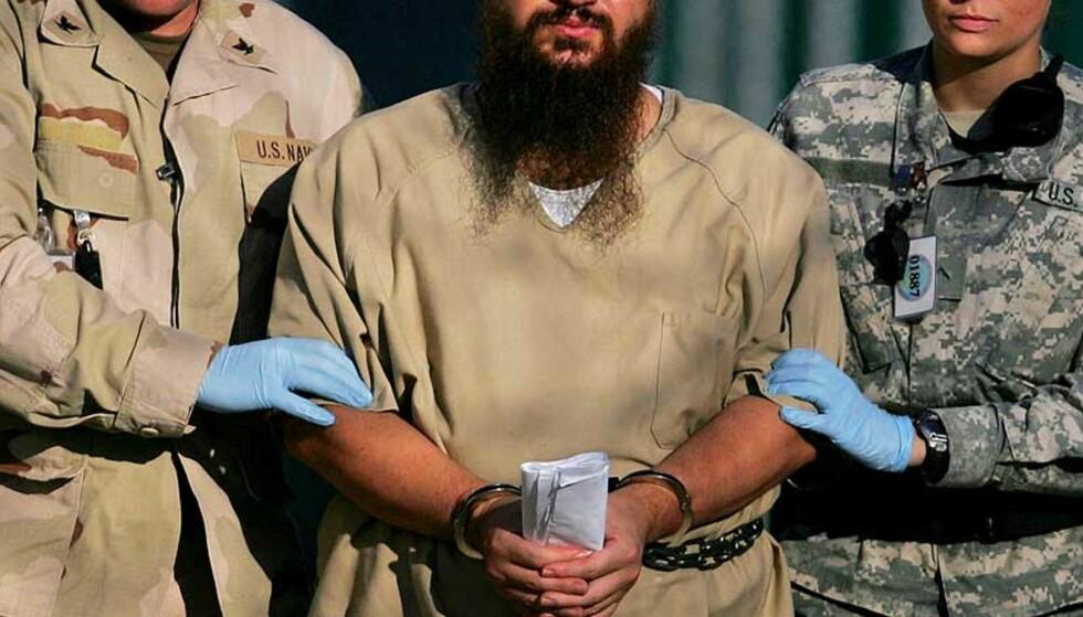 OVERRASKENDE VENDING: Dagens avgjørelse fra amerikansk høyesterett er overraskende. Det er ikke kommet noen begrunnelse for hvorfor retten nå åpner for at Guantanamo-fanger kan bli stilt for en føderal domstol. Foto: AP Photo/Brennan Linsley/SCANPIX