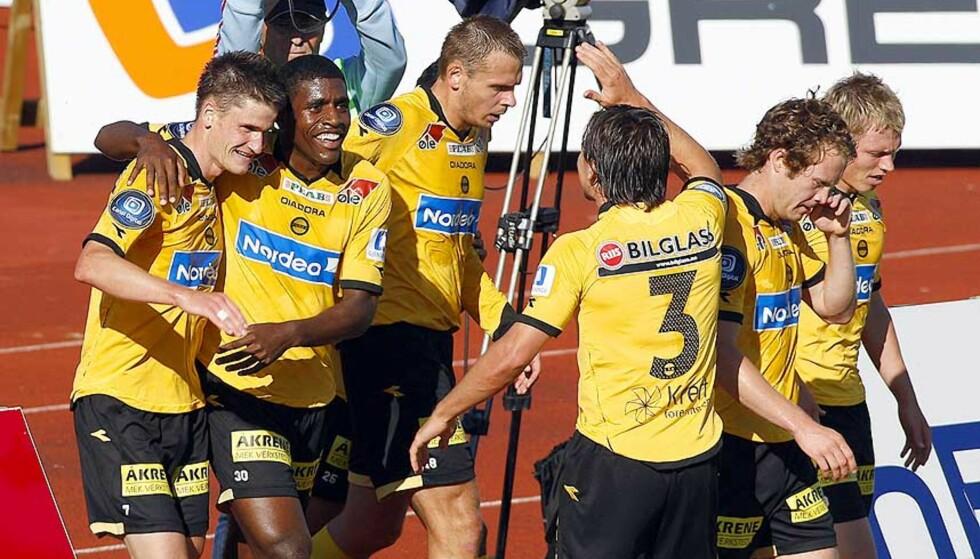 SNILLE GUTTER: Det har blåst rundt Lillestrøm-spillerne denne uka, men i går vant klubben enkelt - uten å pådra seg et eneste gult kort. Foto: MORTEN RAKKE/SCANPIX