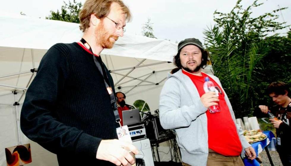 AKUTT PENGEKRISE: Styreleder Magne Aasheim Knudsen i Quart fortalte at festivalen har likviditetsproblemer, og i går mottok ny støtte fra næringslivet. Her er han sammen med fungerende Quart-sjef, Jørgen Skaug, på dagens pressekonferanse. Foto: EIRIK HELLAND URKE