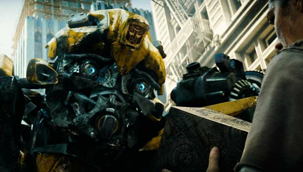 OMSTRIDT: Filmkritikerne var ikke overbegeistret for filmen «Transformers», som hadde premiere denne uka. Brita Møystad Engseth mener det skyldes deres forakt for alt som smaker amerikansk. Foto: FILMWEB