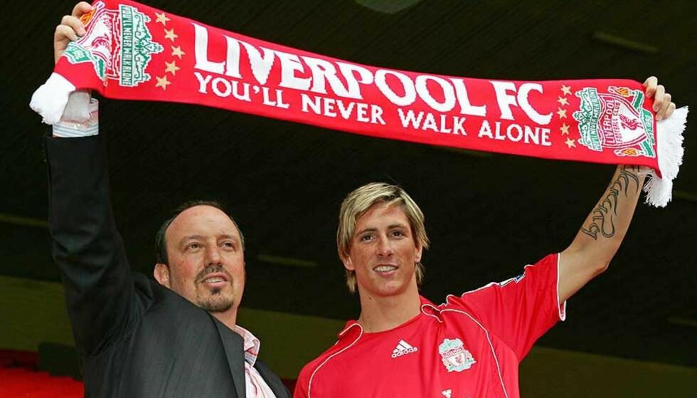 AVGJØRENDE: Kjøpet av Fernando Torres (t.h.) kan ha vært avgjørende for at Rafael Benitez bestemte seg for å bli i Liverpool, antyder styreformann Rick Parry. Foto: PAUL ELLIS/AFP/SCANPIX