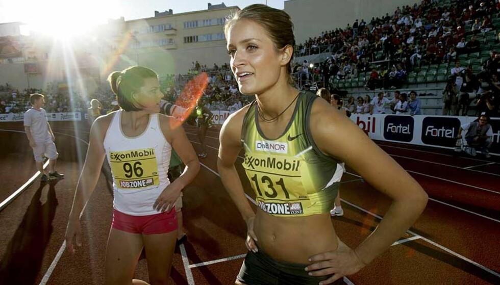 FINALEKLAR: Christina Vukicevic løper lørdagens 100 meter hekk-finale under U23-EM i friidrett. Foto: JON EEG/SCANPIX