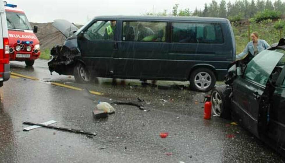 15 personer innblandet i trafikkulykke