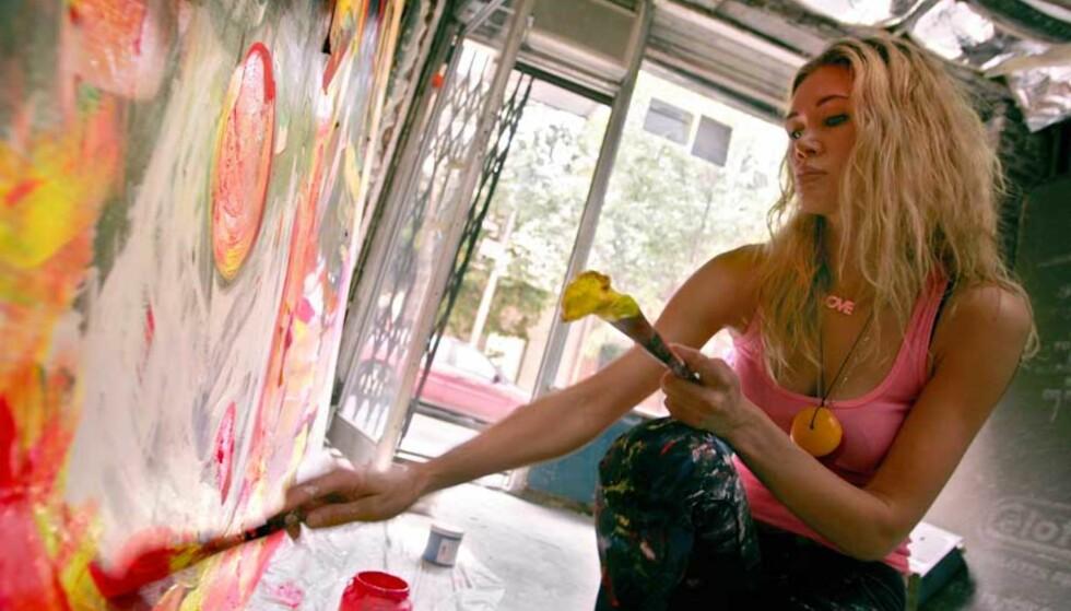 PROVOSERT: –Jeg er lei meg over at et opprop fra en kvinnelig kunstner blir sensurert av Aftenposten, sier Marianne Aulie. Her i atelieret sitt i West Village på Manhattan i mai. Foto: ØRJAN F.  ELLINGVÅG