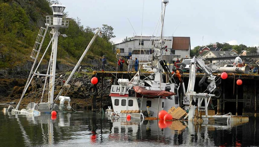 SABOTASJE: Hvalfangstskuta «Willassen senior» sank ved kai i Lofoten. Foto: Roy Charlsen/Scanpix