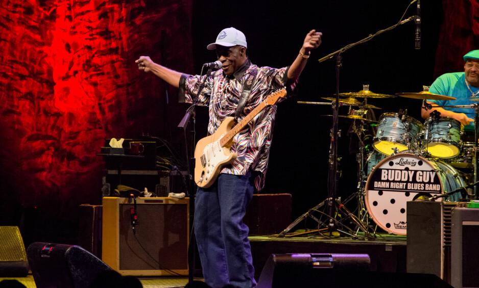 GOING STRONG: Buddy Guy er blitt 80 år, men er ifølge rapportene fortsatt i storform. Her fra en konsert i Austin Texas, i oktober. Foto: Maggie Boyd / SipaUSA / NTB Scanpix