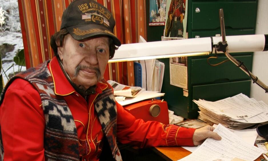 DØD: Arnie Norse er gått bort, 91 år gammel. Norse er blant annet kjent fra flere TV-opptredener og egenproduserte kassettutgivelser.