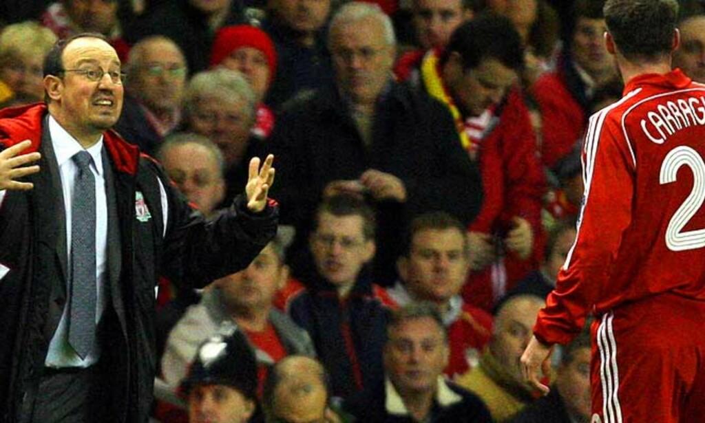ØNSKER SEG LIGAGULLET MEST: Jamie Carragher er usikker på om manager Rafa Benitez\' noensinne klarer å hente ligagullet til Anfield.