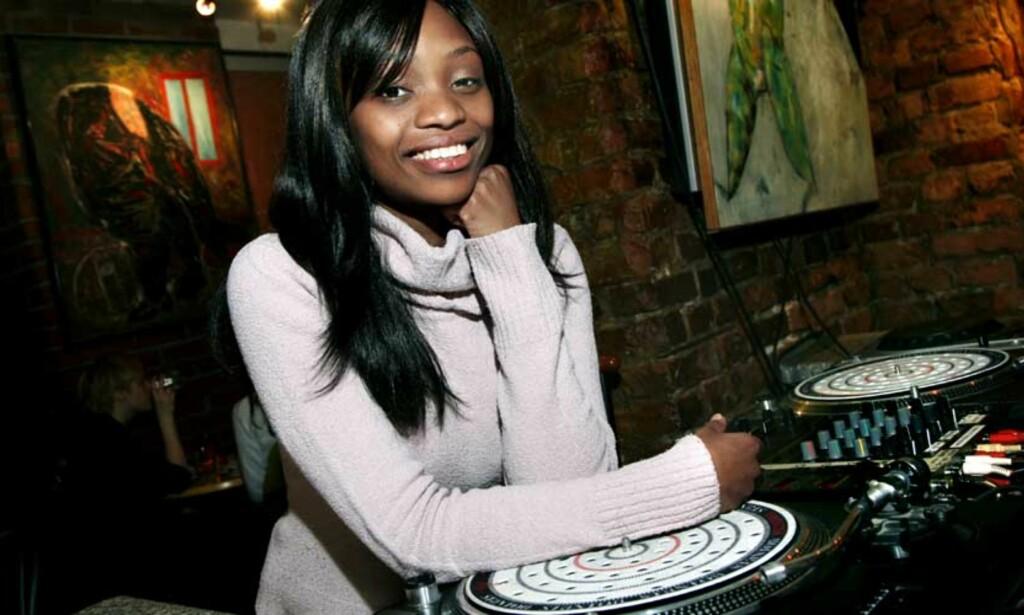 SYNGER OM HJEMLANDET: «Stella Mwangi har laget låta «Makelele» om opptøyene i Kenya. Foto: Steinar Buholm