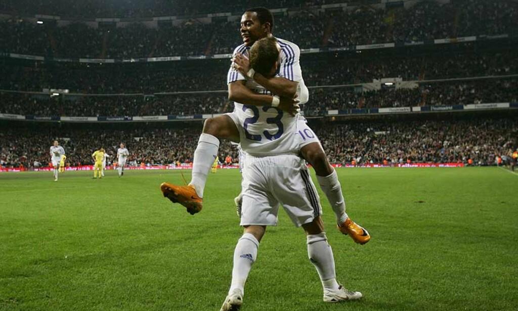 INNBYTTEREN AVGJORDE: Wesley Sneijder brukte bare noen minutter på å bli matchvinner mot Villarreal. Gjestene protesterte heftig på scoringen, og mente Sneijders mål burde vært annullert for offside. Foto: AP