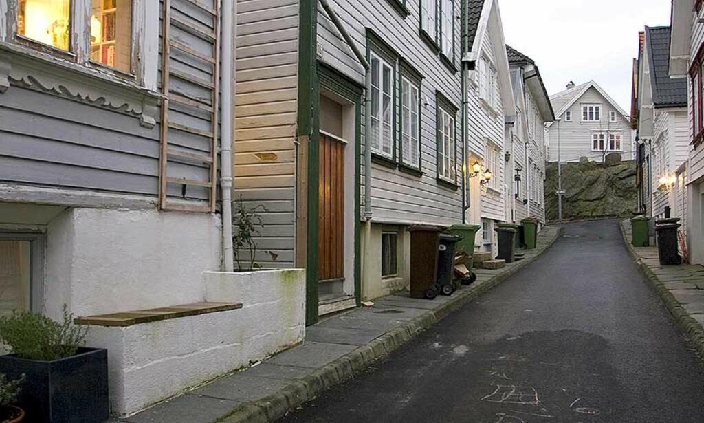 ÅSTEDET: Det var her i Midtre Dalgate i Stavanger at kvinnen ble overfalt og voldtatt natt til i dag. FOTO: Åge Pedersen/Dagbladet