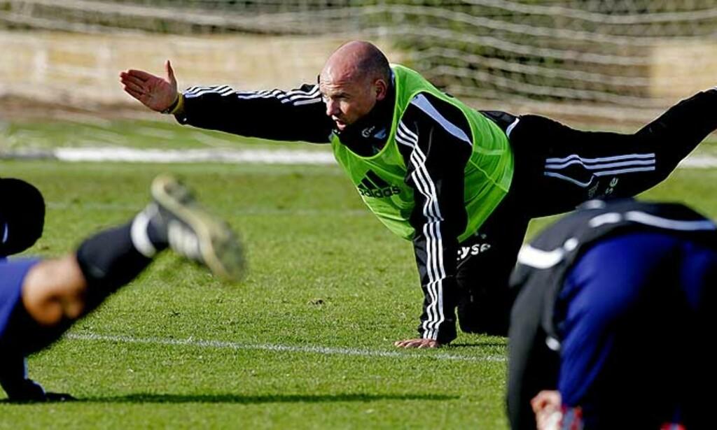 SE, TOPPEN AV TABELLEN: Uwe Rösler undertegner gjerne en ny kontrakt med Viking, slik at han får sett hva laget hans kan oppnå. Foto: Scanpix