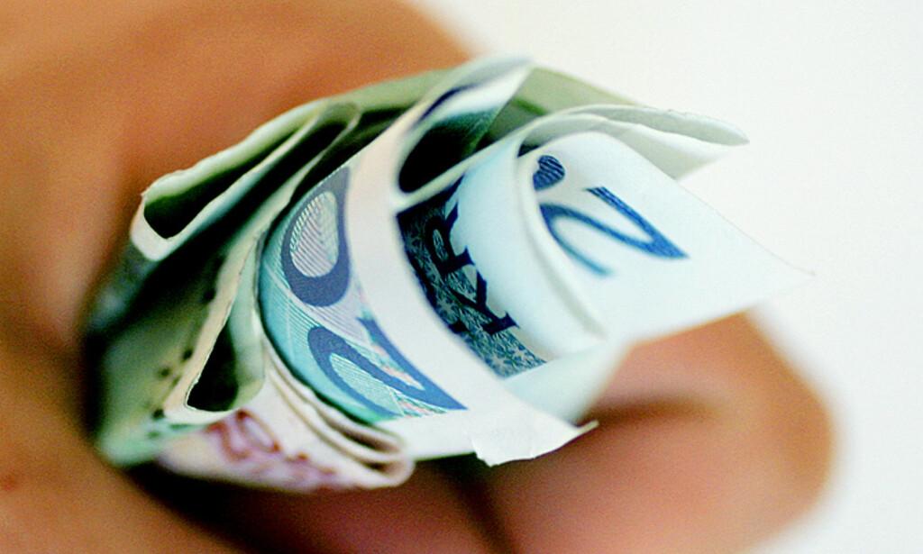 ÅTTE PROSENT OVER MILLIONEN: Stadig flere husstander med millioninntekter, samt økt fokus på forbruk, gir oss en økende bruk- og kastmentalitet, mener Gisle Høiland i Norsk Familieøkonomi. Arkivfoto: Scanpix
