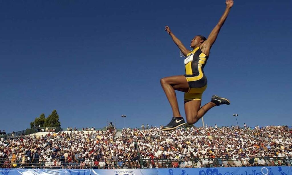 TESTET REINT, VAR DOPET: Marion Jones-saken trekkes fram som eksempel på utøvere som går fri dopingjegerne selv med ulovlige stoffer i blodet. Foto: Scanpix/Ap