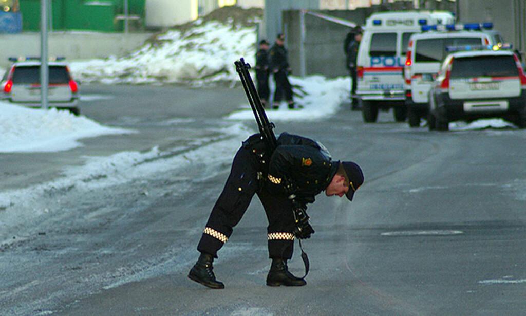 BLE FUNNET HER:  Den svenske 44-åringen ble funnet her utenfor terminalen i Knuds Bryns vei 1 på Alna i Oslo tidlig på morgenen 1. påskedag. Foto: tipser.no/DANIEL LAABAK.