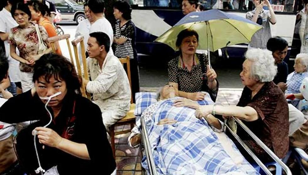 Frykter at  over 8000 personer har omkommet i jordskjelv i Kina