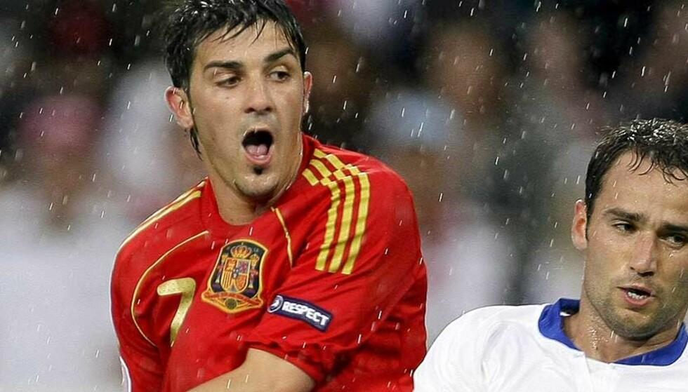 HATTRICK: David Villa herjet med Russland. Valencia-spissen ga seg ikke før han hadde scoret tre mål. Foto: AP