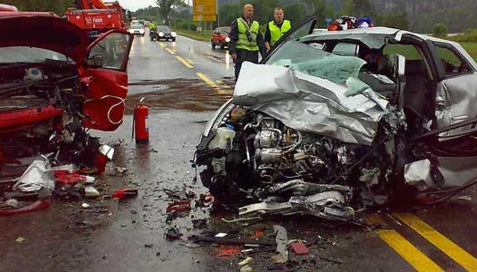 Kvinne (70) omkom på E18- over i feil kjørebane