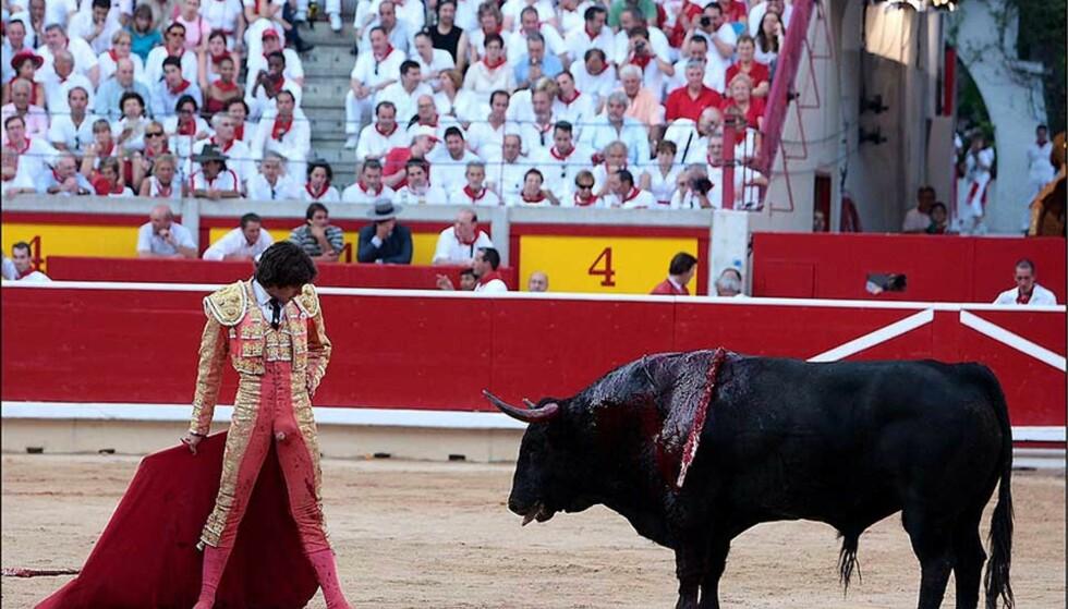 DÅRLIG STIL? Matadoren Sebastian Castella ga alt for publikum. Alle foto: ALF/ENFOQUE/STELLA PICTURES