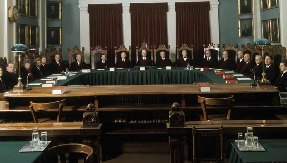 RETTFERDIGHET FOR KVINNER? Jussen måtte gjennomgås på nytt etter framveksten av kvinnebevegelsen. Her er høyesterett anno 1974. Foto: HENRIK LAURVIK / NTB / SCANPIX